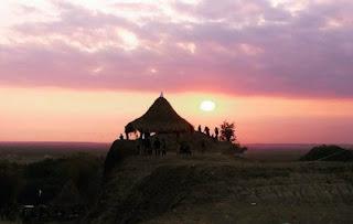 http://www.teluklove.com/2017/05/destinasti-objek-wisata-bukit-bego-di.html