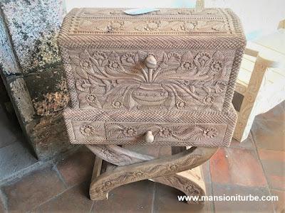 Artesanías de Madera Tallada hecha por Artesanos de Michoacán