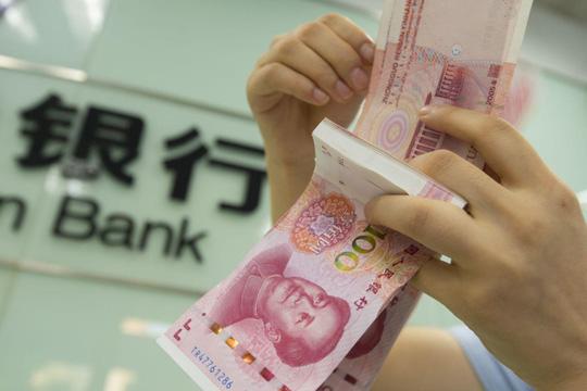Nên đổi tiền sang tệ Trung Quốc trước khi du lịch Phượng Hoàng Cổ Trấn  Trương Gia Giới