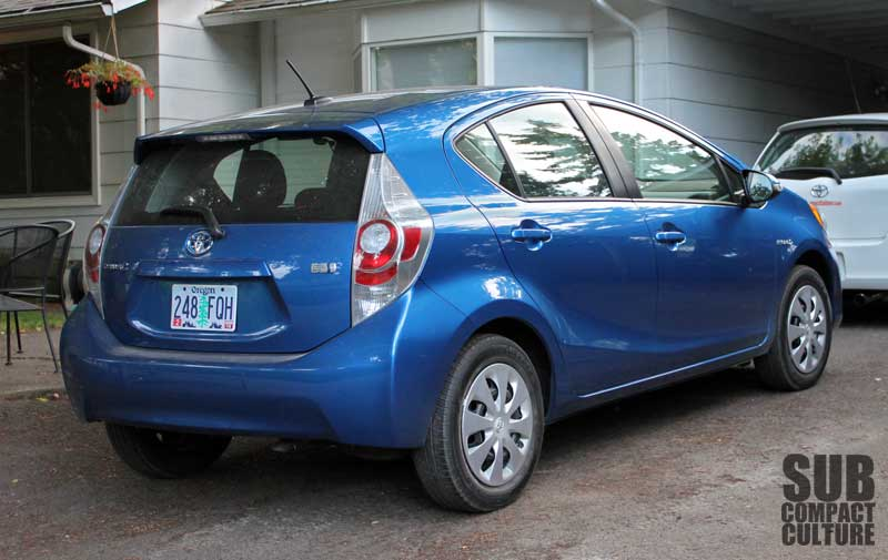 review 2012 toyota prius c big on tech and efficiency small on size and driving pleasure. Black Bedroom Furniture Sets. Home Design Ideas