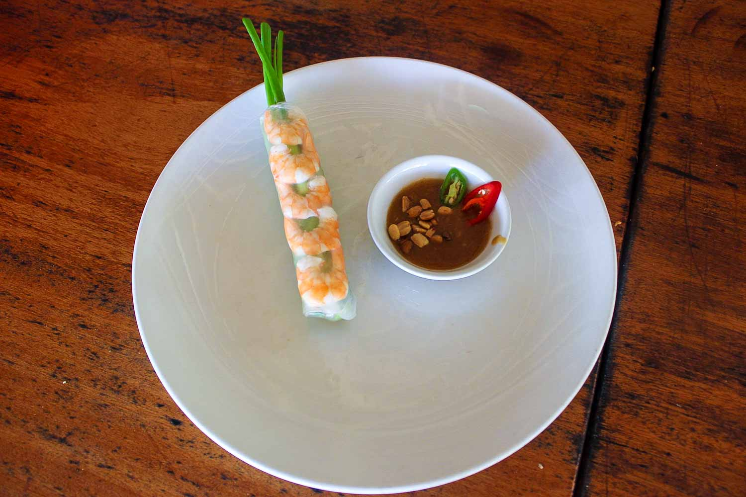 vietnamese salad roll and peanut sauce