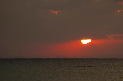 沖縄 マタニティフォト 夕日の海