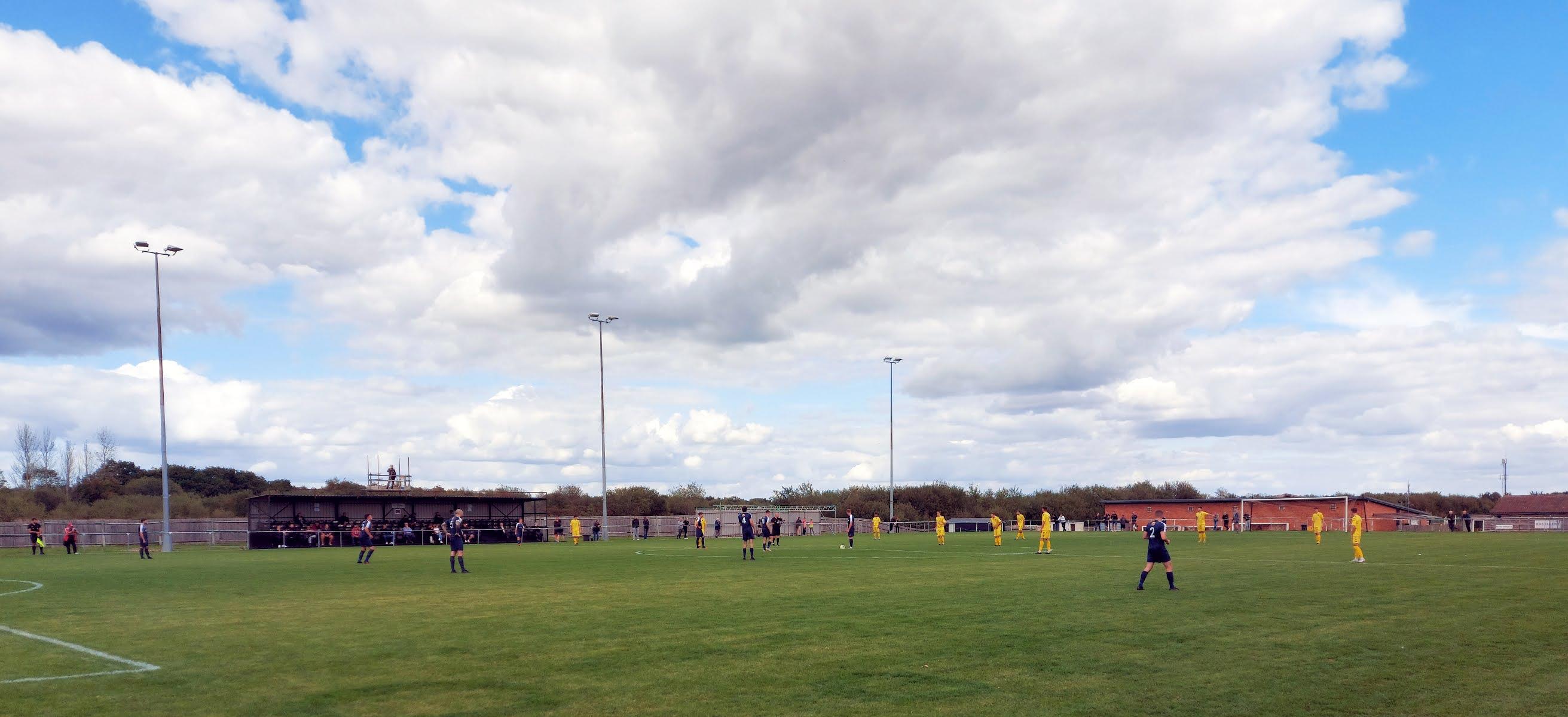 Tadley Calleva and Hamble Club players await kick off.
