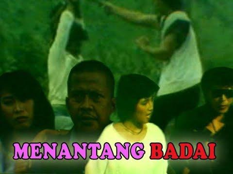 Menentang Badai (1985)
