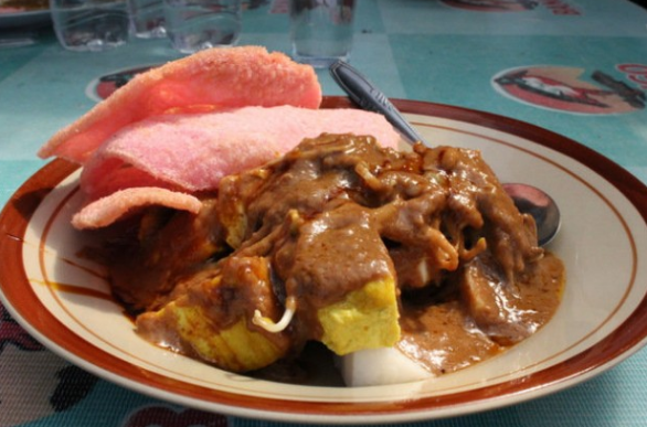 Selain populer dengan tempat wisata alam yang indah Lokasi tempat wisata kuliner di Bandung