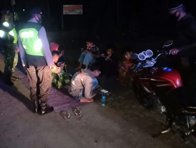 TNI Dan Polri Melaksanakan Patroli Gabungan Himbau Kerumunan Pemuda