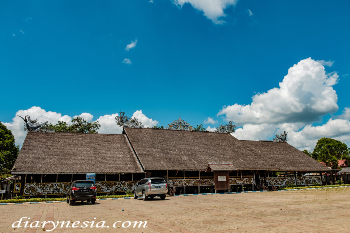 how to get to pampang cultural village, review about pampang cultural village, Kalimantan Dayak tribe culture, diarynesia