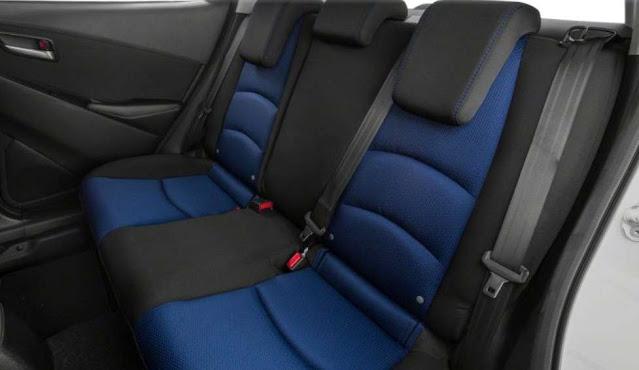 toyota-yaris-backseats-black-and-blue-tone