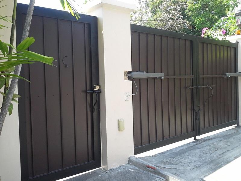 ประตูซ้อนประตู ประตูเล็กในประตูใหญ่ ประตูลอดในประตูรั้ว