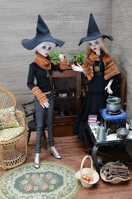 Witch costumes for Evangeline Ghastly dolls