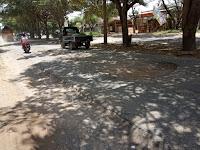 Kondisi Jalan Ryacudu Rusak Bikin Warga Mengeluh