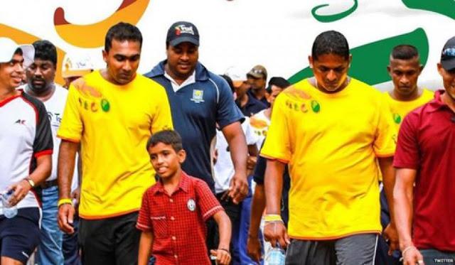 Mahela's walk causes traffic jam on Colombo streets