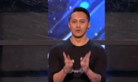 """LIVE dari AMERIKA, Inilah video aksi Demian """"cari mati"""" pesulap Indonesia di America Got Talent"""