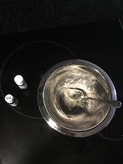 Réalisation du déodorant coco bicarbonate argile blanche et fécule : ajout des huiles essentielles