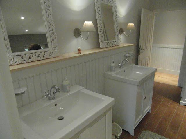 unterschrank badezimmer ikea. Black Bedroom Furniture Sets. Home Design Ideas