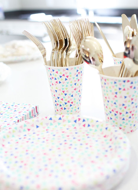 Gold Cutlery, Confetti print, Baby Shower, Lbloggers, Fbloggers, Table setting, pregnancy blog