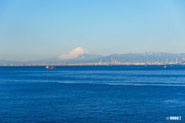 富士山や丹沢山地等の景色~海ほたるPA
