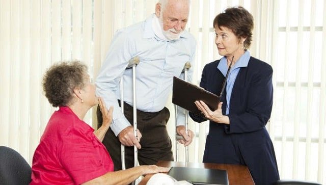 why using personal injury lawyer makes sense accident attorneys benefit