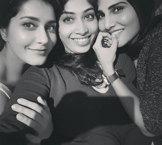 Actress Raashi Khanna Latest Pics