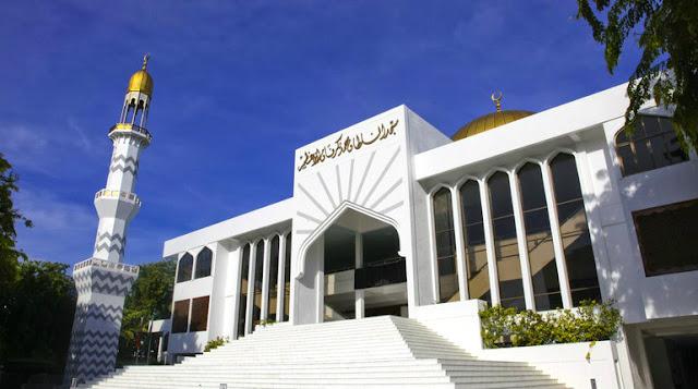 """مسجد الجمعه الكبير """" مسجد السلطان محمد"""""""