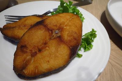 Putien, deep fried tenggiri fish