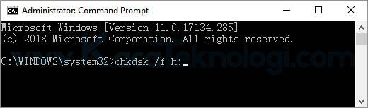 cara memperbaiki flashdisk X:\ is not accessible. The file or directory is corrupted and unreadable atau The disk structure is corrupted and unreadable pada Windows 10, 8.1, 8, 7, maupun XP. Hal ini bisa diatasi dengan menggunakan perintah chkdsk yang diketik pada commnad prompt. Adapun penyebab flahsdisk corrupt atau tidak terbaca antara lain... Kesalahan struktur pada direktori perangkat dan Terinfeksi virus