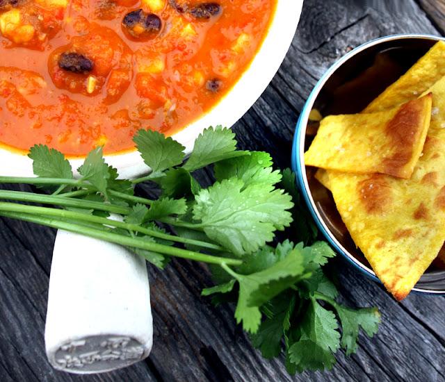 Oppskrift Tacosuppe Sorte Bønner Vegansk Vegetar Sunn Suppe Tacokrydder Tortillachips Hjemmelaget Guacamole