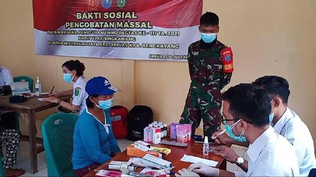 Program TMMD di tutup dengan pengobatan massal untuk warga