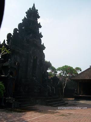 tempat ibadah umat hindu