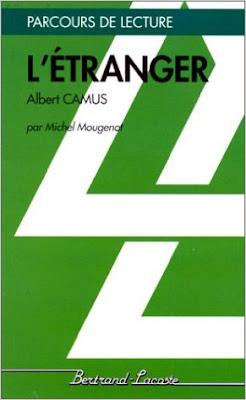 Bien que dans L'Étranger Albert Camus ne se réfère pas explicitement à la notion de l'absurde, les principes de l'absurdité fonctionnent dans le roman. Ni le monde extérieur dans lequel Meursault évolue ni le monde intérieur de ses pensées, de même que son comportement, ne relèvent d'un ordre rationnel.