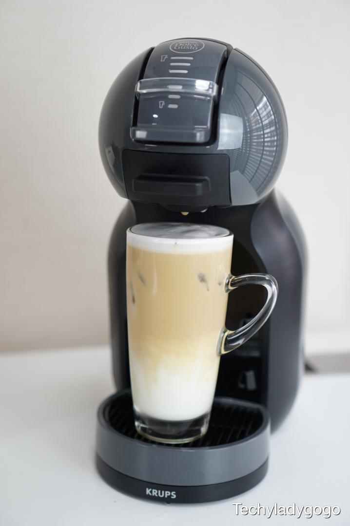 ทำกาแฟเย็นด้วยเครื่องชงกาแฟ NESCAFÉ Dolce Gusto รุ่น Mini Me กันบ้างกับเมนู CAPPUCINO ICE