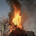 Manifestantes en Chile queman dos iglesias durante protestas.