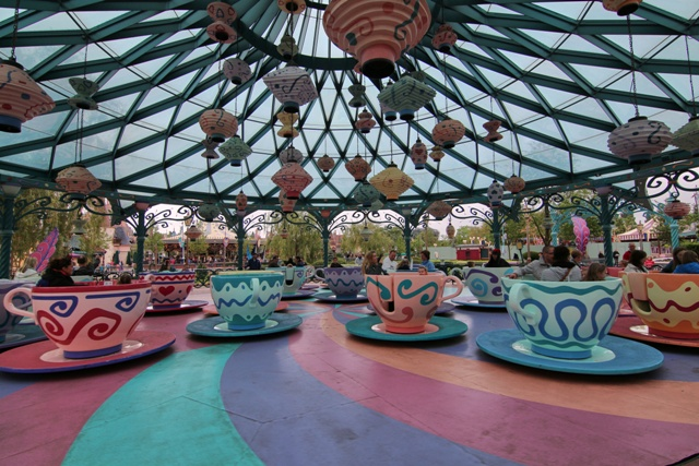 Mad Hatter's Tea Cups en Disneyland Paris