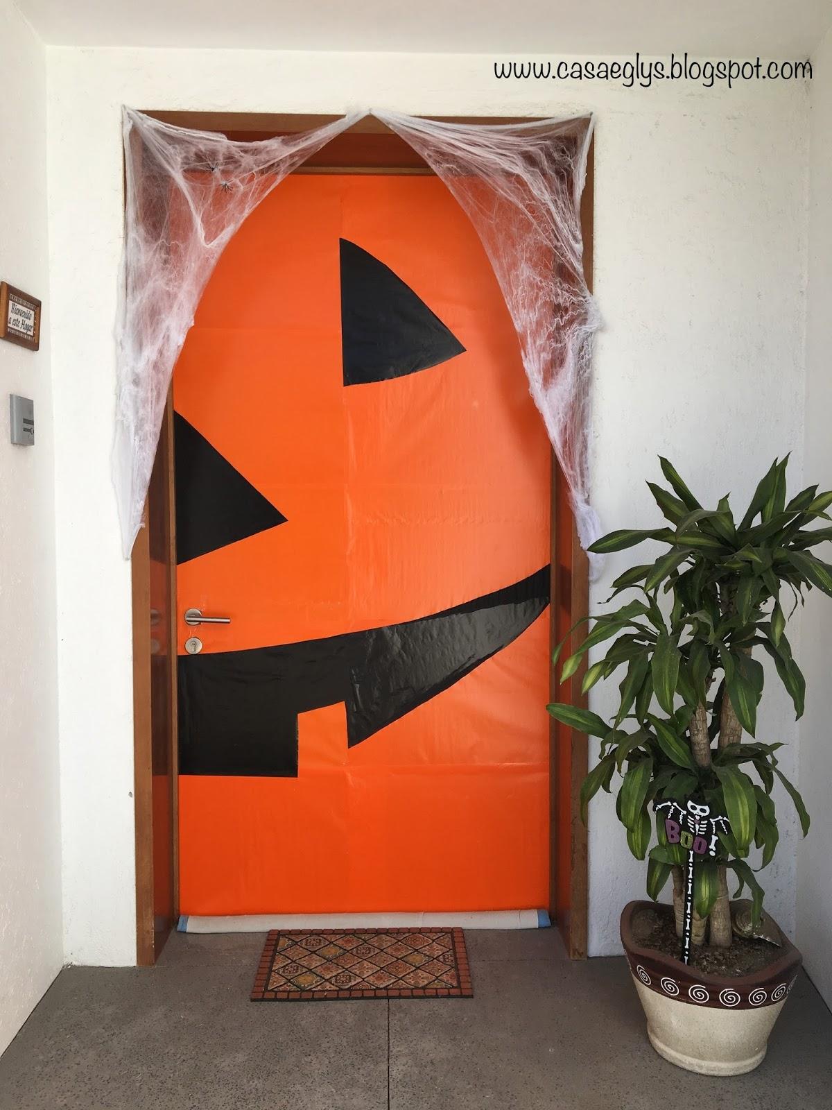 Casa eglys decoraci n puerta halloween for Decoracion para puertas halloween