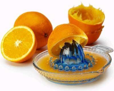 Cho trẻ uống nước cam, bắt đầu từ khi nào?