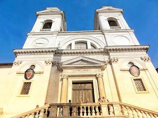 Trinita dei Monti de la Piazza Spagna de Roma
