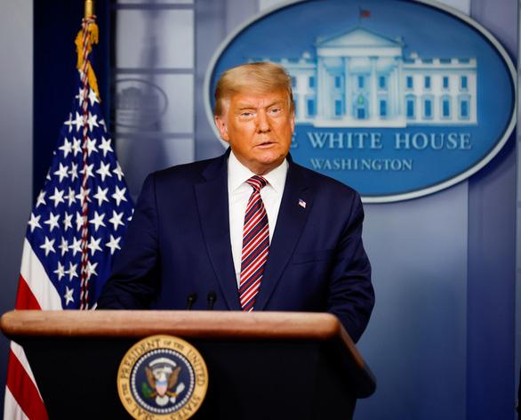 Ông Trump phát biểu từ Nhà Trắng: 'Đội ngũ của tôi phát động số vụ kiện tụng rất lớn'