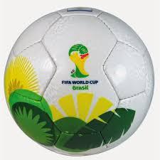 A foto mostra a bola oficial da copa do mundo no Brasil em 2014.