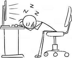 Persona delente ordenador durmiendo
