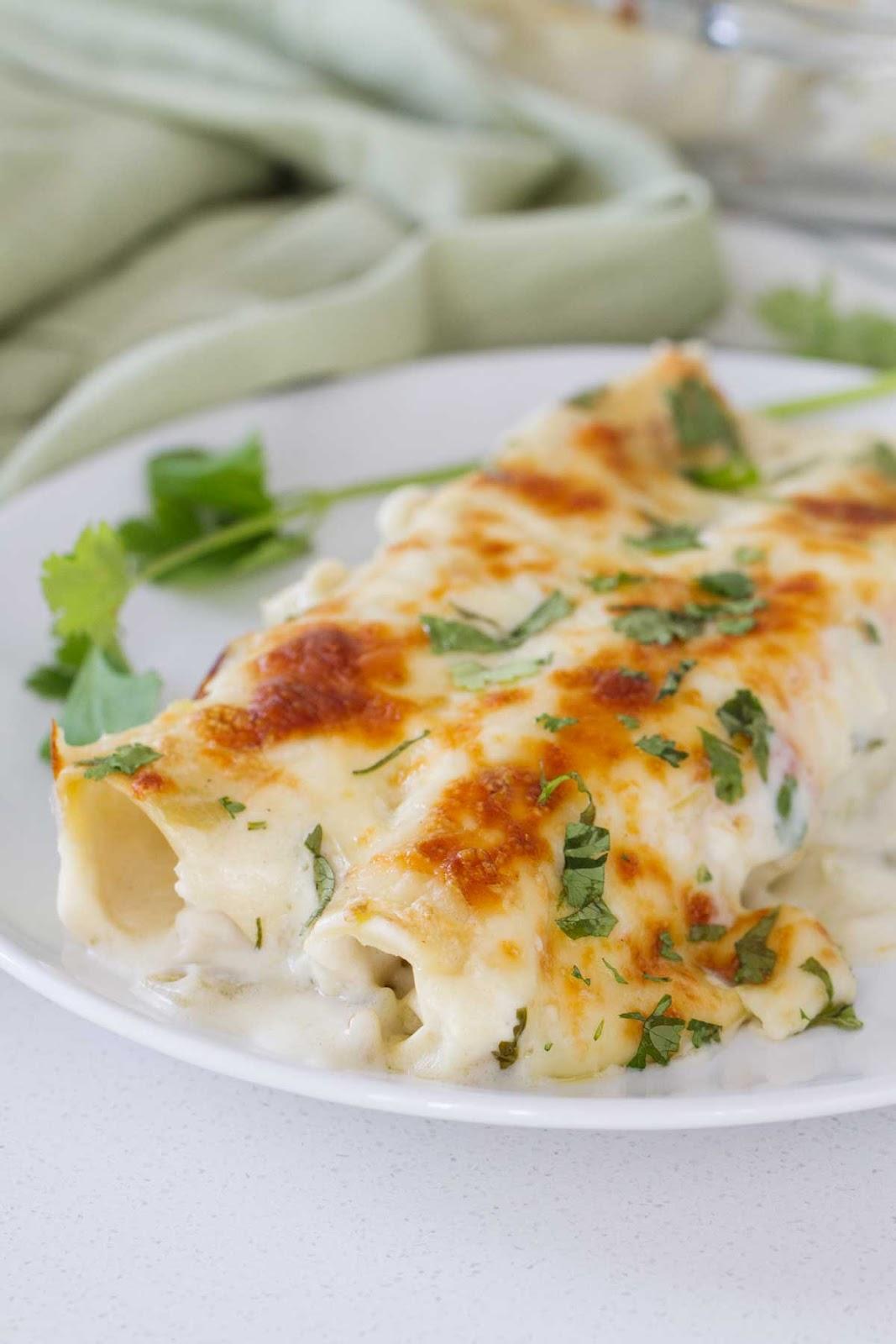 Easy White Chicken Enchiladas #dinner #food #yummy #chicken #easy