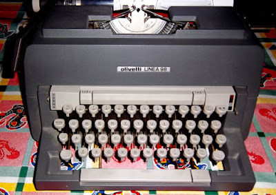 Máquina de escribir Olivetti 98