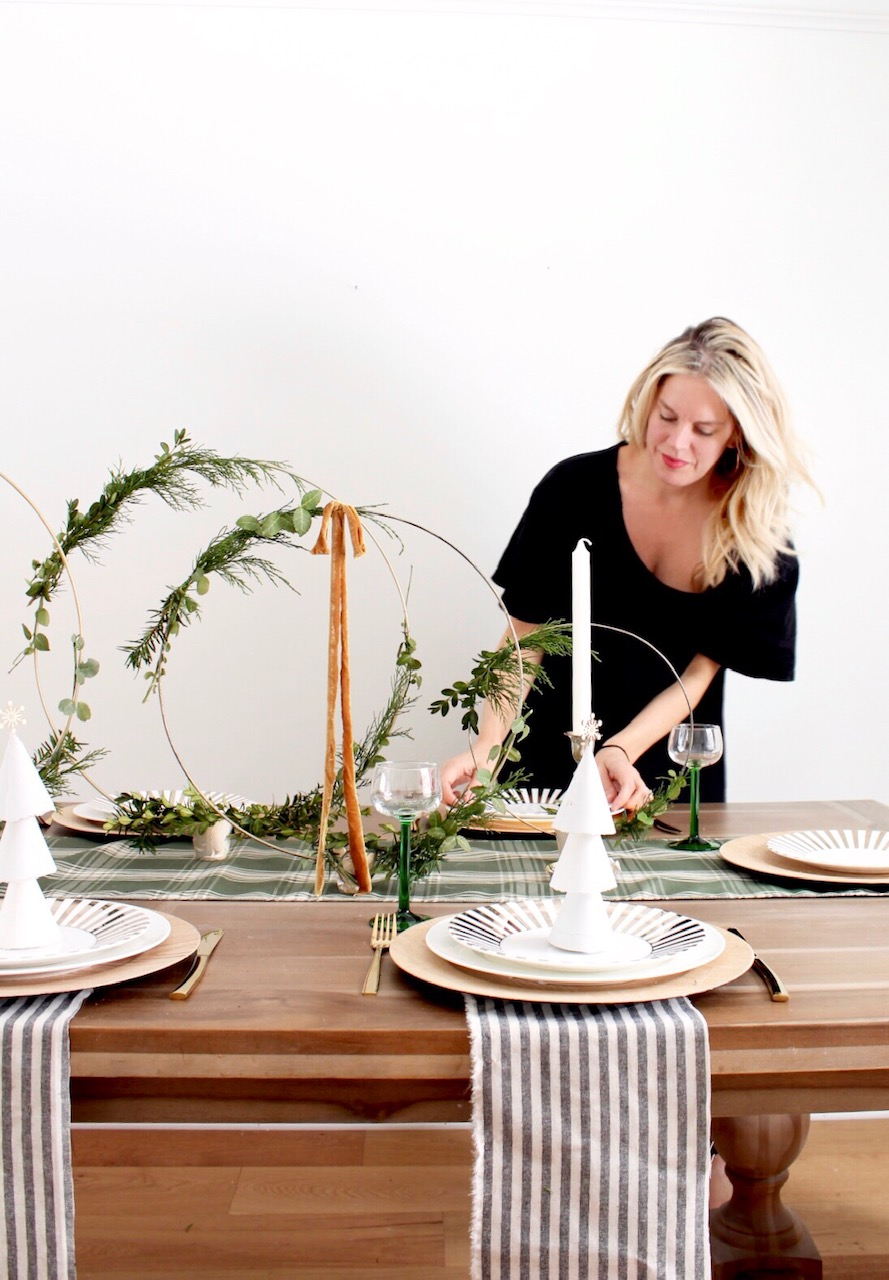 Modern Christmas Table: Hoop Centerpiece