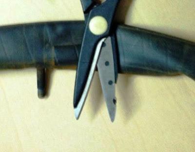 1 cara bikin karet gelang dari ban bekas