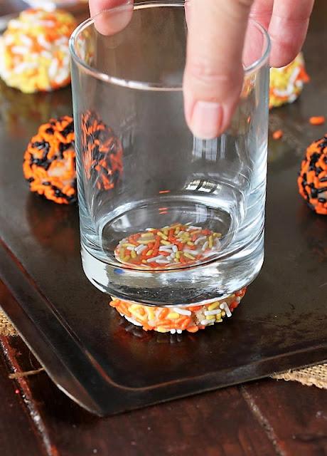 How to Make Halloween Sprinkle Sugar Cookies Image