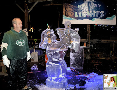 Ice Carver at Bronx Zoo Holiday of Lights 2019