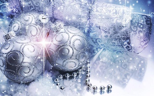 Kerst wallpaper met zilveren kerstballen