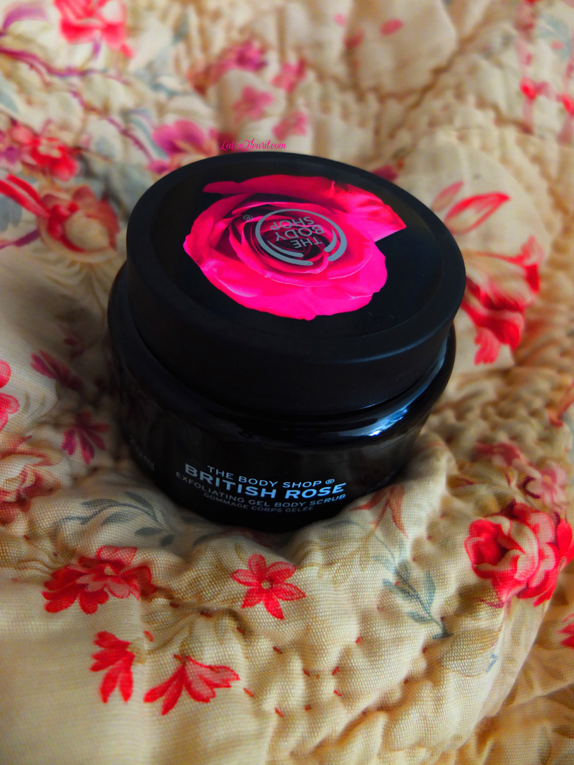 Body Shop, british rose, scrub, exfoliator,gel, exfoliating, scrubbing, beauty, beautyblogger, beautyblog, bblog, bblogger, skin, soft, body butter, lotion, summer, lifestyle, lifestyleblog, lifestyleblogger, interior, interiordesign, home, decorating, bath, shower, LaVieFleurit.com,