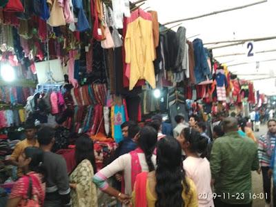 तिब्बती शरणार्थियों द्वारा लगाये जाने वाला ल्हासा मार्केट