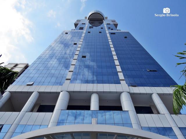 Perspectiva inferior da fachada do Edifício K1 - Santana - São Paulo