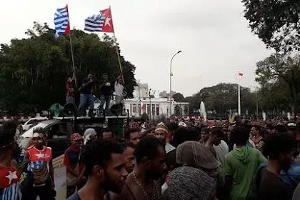 Kibarkan Bendera Kejora di Depan Istana, Pengamat: Kepemimpinan Jokowi Lemah
